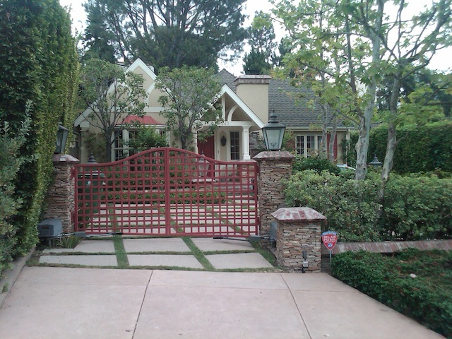 Los Angeles Landscaped Driveways